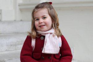 Rainhas da Inglaterra - Princesa Charlotte de Cambridge é a próxima mulher na linha de sucessão ao trono