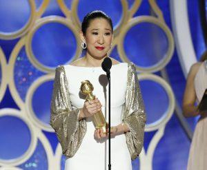 Globo de Ouro 2019: Sandra Oh vence o Globo de Ouro de melhor atriz em série de drama por 'Killing Eve'