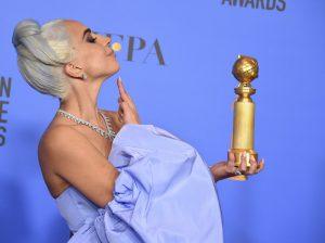Globo de Ouro 2019 - Lady Gaga comemora o Globo de Ouro 2019 na categoria Melhor Música para Filmes.