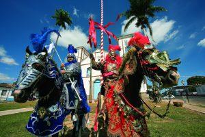 Festas Tradicionais do Brasil - As cavalhadas são famosas em Minas Gerais, Bahia, Paraná e Goiás,