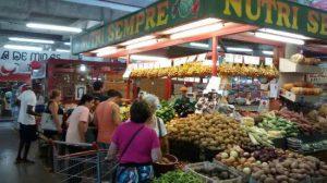 O que fazer em Juiz de Fora em Janeiro? Conhecer o Mercado Municipal e fazer a feira por lá é uma ótima opção para otimizar tempo