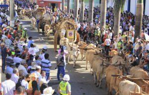 Festas Tradicionais do Brasil - A Festa do Divino Pai Eterno leva multidão à Trindade.