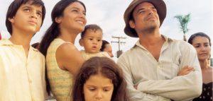 """Lei Rouanet - filme """"Dois Filhos de Francisco"""" foi produzido pela lei de incentivo"""
